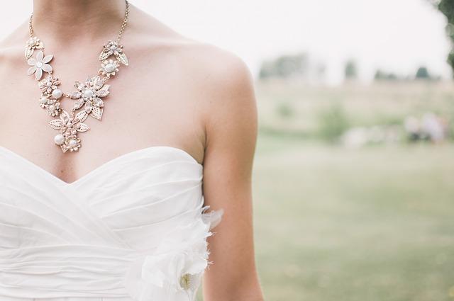 Szykujesz się do ślubu? Sprawdź trendy ślubne 2017 | DJ na wesele Kraków