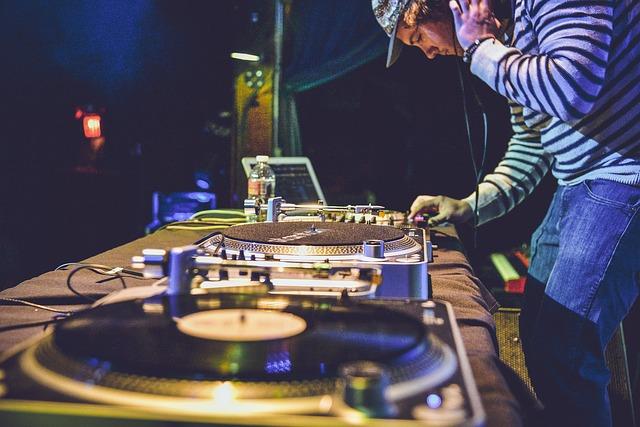 Już dzisiaj – Międzynarodowy Dzień DJ | DJ na wesele Kraków